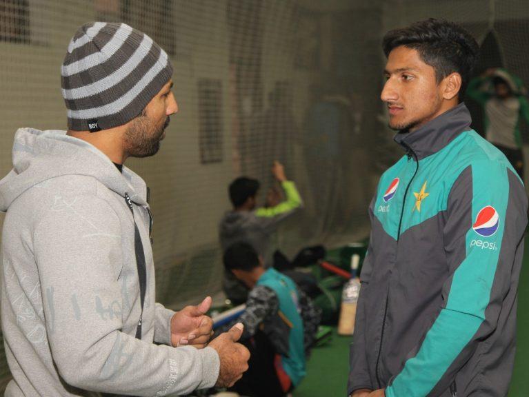 فاتح انڈر19 ورلڈ کپ سرفراز احمد کی انڈر 19 ٹیم سے ملاقات