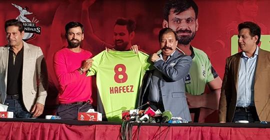 لاہور قلندرز  کے قلندرانہ فیصلے۔۔۔