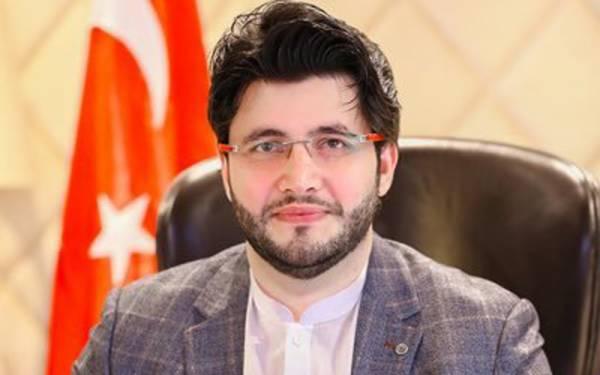 پی ایس ایل فور کے لیے پشاور زلمی کی پوری ٹیم پاکستان آئیگی ، جاوید آفریدی
